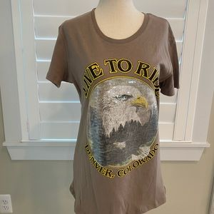 Graphic tee Denver Colorado size small taupe NWT